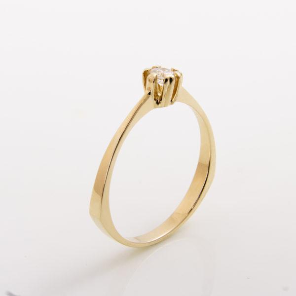 Zásnubní prsten s přírodním diamantem Queen