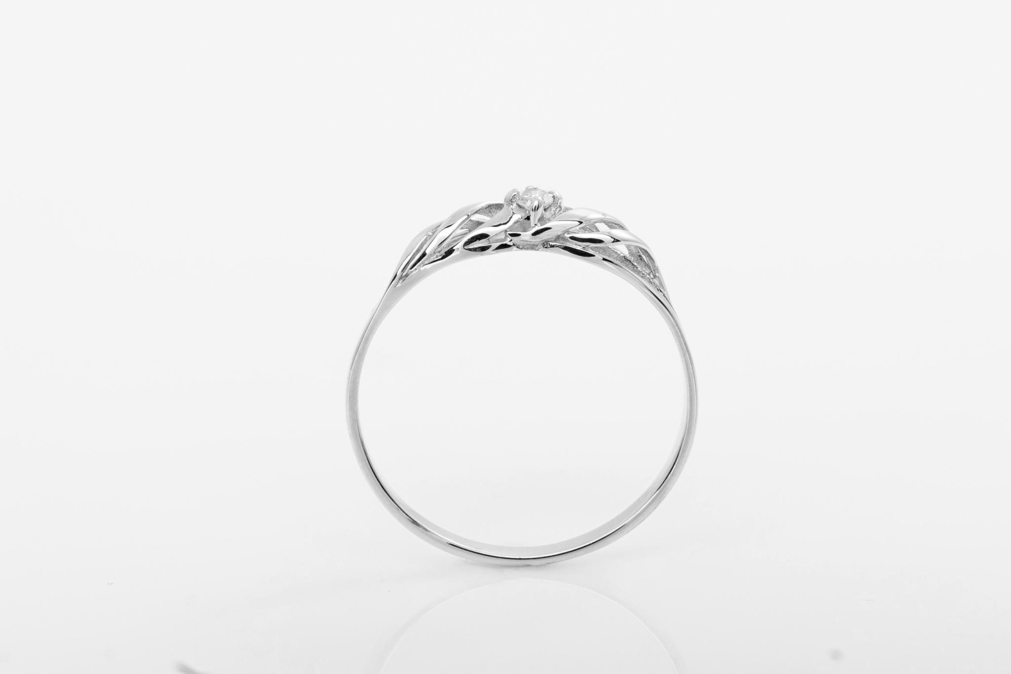 Prsten S Prirodnim Diamantem Mare Bile Zlato Diamantova Svicka